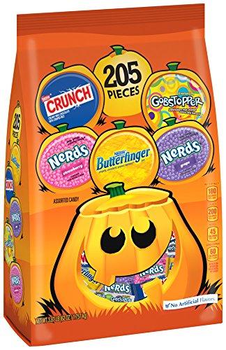 Nestle Assorted Halloween Candy, 62 Ounce]()
