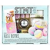 STMT D.I.Y. Horizon Group USA, Juego de Bombas de baño para Mezclar y moldear Tus propias 5 Bombas de baño perfumadas con aceites Esenciales, pétalos de Rosa Secos y más, Multicolor