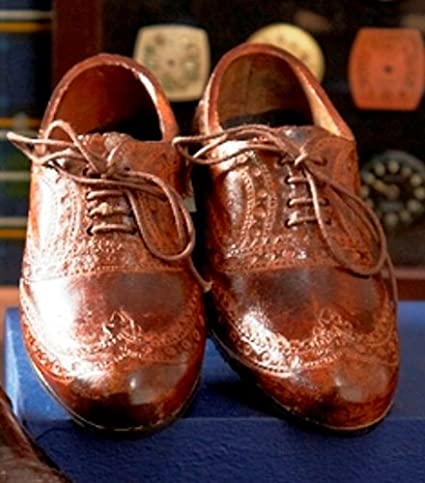 9ee0e7e1612fa Two s Company Oxford Wingtip Shoes Paperweight