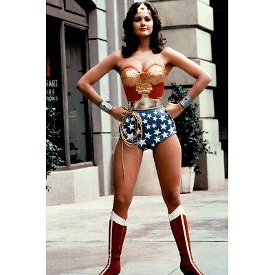(24x36) Lynda Carter as Wonder Woman TV Poster Print