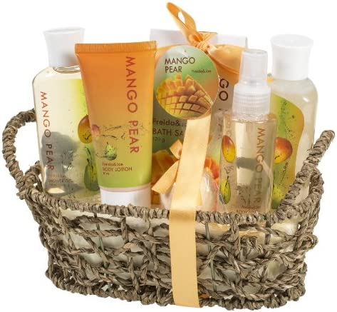 Aromatic Mango-Pear Home Spa Experience Women s Gift Set Features Shower Gel, Bubble Bath, Bath Salt, Body Lotion, Body Spray, and Bath Fizzer in Delicate Woven Basket