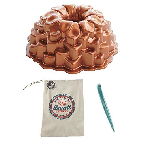 Nordic Ware Blossom Bundt Pan w/ Storage Bag & Cleaning Tool Set
