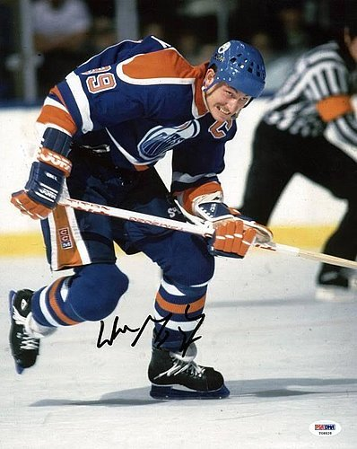 Wayne Gretzky Autographed 11x14 Photo - PSA/DNA Authenticated