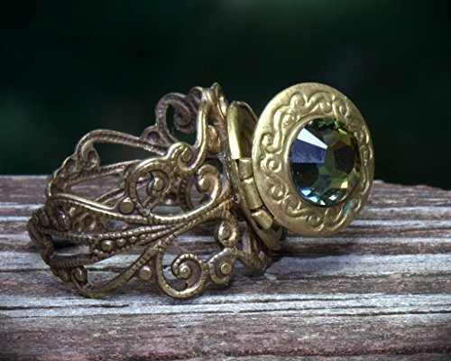 LOCKET RING. Adjustable size 3