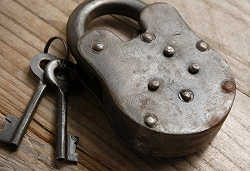 Dexon Power Iron Antique Padlock and Keys 4in
