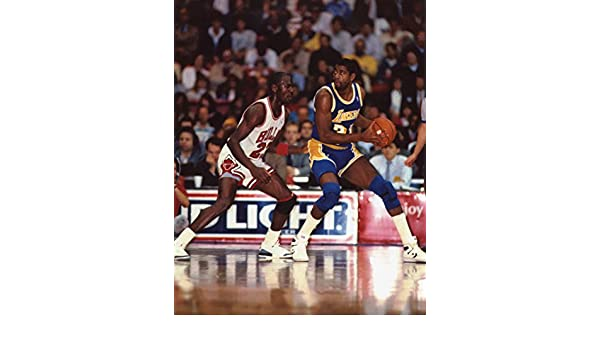 792a008a02fe MICHAEL JORDAN CHICAGO BULLS-MAGIC JOHNSON LOS ANGELES LAKERS 8X10 SPORTS  ACTION PHOTO jcgsports XLT
