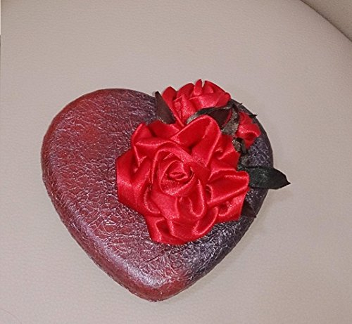 Home Decor Collection: Romantic Heart-shaped Black and Red Women's Jewelry Box with Metal Coating, Silk Interior Lining, and Kanzashi Flower Decoration - Luxury Jewelry Box for Women