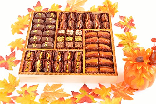 Halloween Date treat - Filled Medjool Dates - Chocolate covered dates - Date (Halloweens Date)