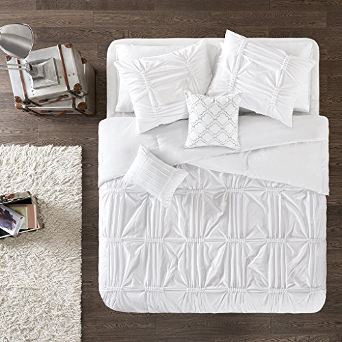 (Intelligent Design Benny 4 Piece Metallic Elastic Embroidery Comforter Teen Bedroom Bedding Sets Twin/Twin XL Size White )