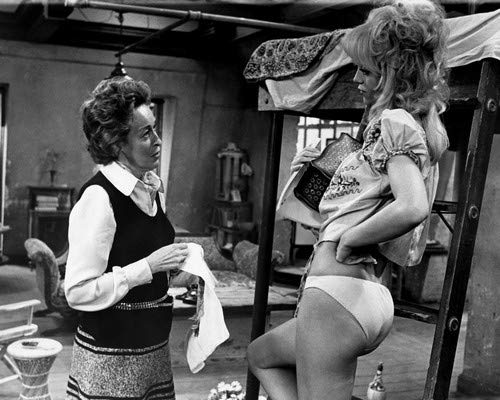 Eileen Heckart and Goldie Hawn in Butterflies Are Free in sexy brief panties with bare midriff 11x14 Promotional Photograph ()