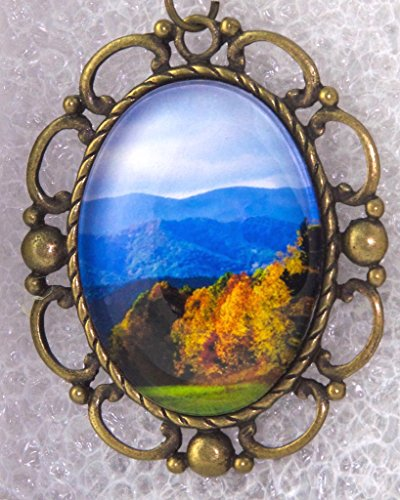 Cades Cove Scenic Fall Colors Landscape, Oval Pendant with (Oval Fall Colors)