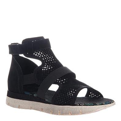 a90e988c38a OTBT Women s Astro Flat Sandals - Black - 6