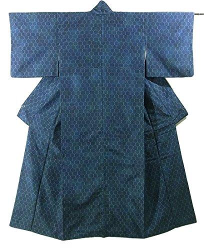 花束ギャップ容赦ないリサイクル 着物 紬  経緯絣 亀甲文様 正絹 袷 裄62.5cm 身丈156cm