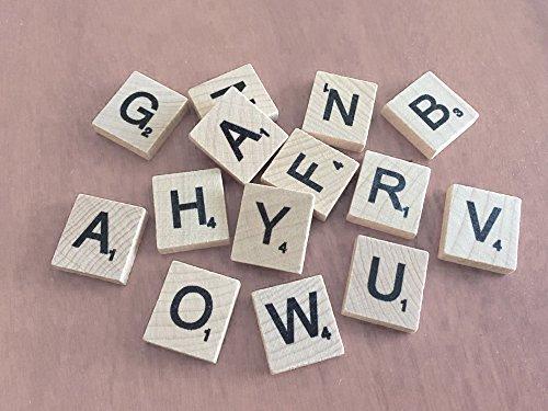 Set of 200 Holz Scrabble Spielsteine Buchstaben With 1 Gestell Halter Set für Brettspiele, Wand Dekoration & Kunst und Basteln von Trimming Shop - Pack of 800