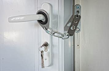 Secure-Ring Universal Door Security Chain (White): Amazon.co.uk: Baby