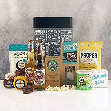 8d1d5c5e47d4 Luxury Food and Drink Gift Basket - Chill Out Foodie Hamper - Fast UK  Delivery on Food Gifts SGS-101  Amazon.co.uk  Kitchen   Home
