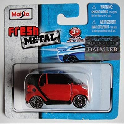 Fresh Metal MAISTO RED Smart for Two: Toys & Games