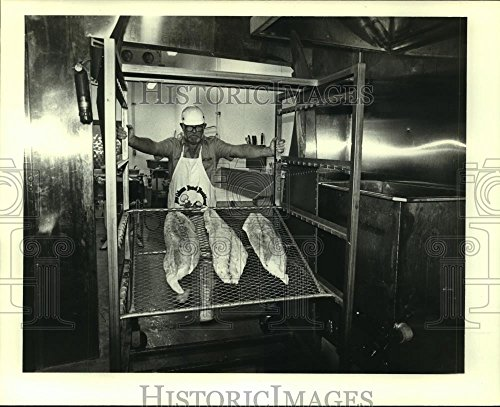 Vintage Photos 1979 Press Photo Creole Country Sausage Co. Employee at Work - noa79785-8 x 10 in. - Historic ()