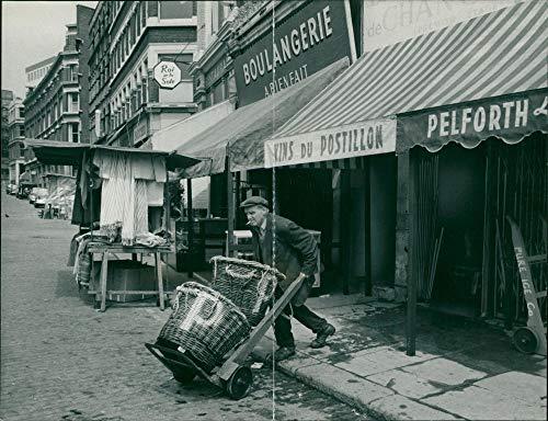 Vintage photo of London: Billingsgate Fish Market ()