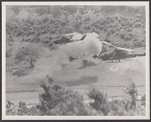 Bell AH-1 Cobra Gunship Helicopters firing rockets US Army 8x10 photo 1960s