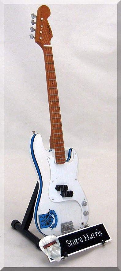 STEVE HARRIS Guitarra miniatura con púa de guitarra IRON MAIDEN ...