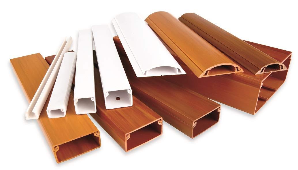 Canaleta adhesiva 12 x 12mm color madera nogal en tiras de 2 metros