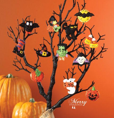 Bucilla 86430 Halloween Felt Applique Ornaments Kit (Size 2
