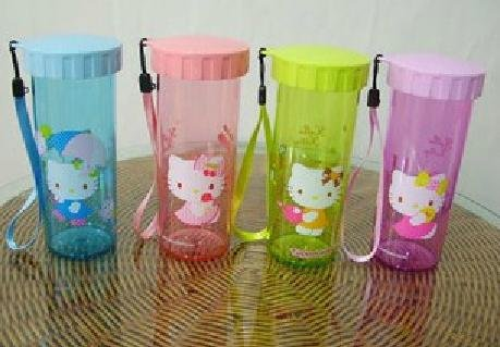 Amazon.com: Tupperware Hello Kitty Microondas Botella de ...