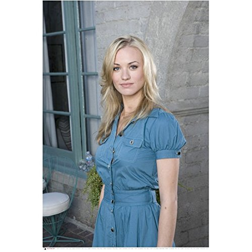 Chuck (TV Series 2007 - 2012) 8 Inch x 10 Inch Photo Yvonne Strahovski Jean Dress From Thighs Up -