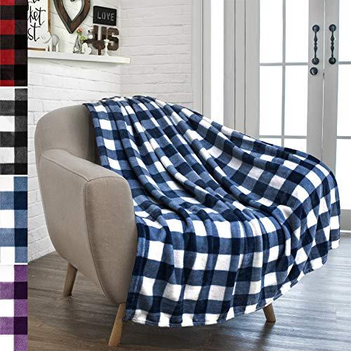 PAVILIA Buffalo Check Fleece Throw Blanket   Blue White Checkered Plaid Flannel Blanket   Soft Velvet Lightweight Microfiber Blanket for Couch Sofa   50x60 Inches Checker Navy (White Decor And Blue Navy)