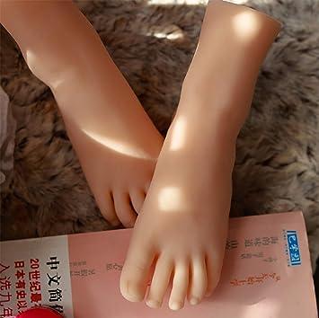 L Wort Toilette pinkeln große weibliche Füße Bilder