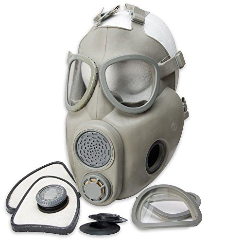 Czech M10 Gas Mask with Carry Bag]()