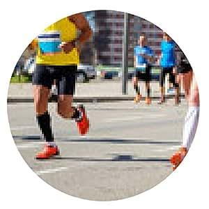 alfombrilla de ratón Maratón de carrera a pie, los corredores pies en el camino, el concepto de deporte - ronda - 20cm