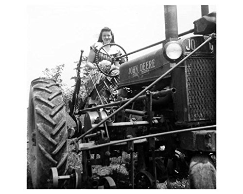 Review 1940s John Deere Tractor
