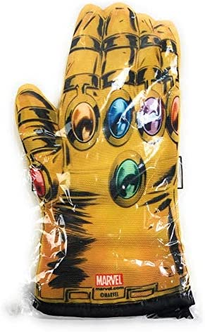 Amazon Com Lootcrate Marvel Infinity Gauntlet Oven Mitt For Display Only Home Kitchen