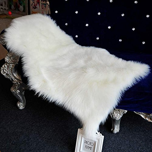 Luxury Carpet (Junovo Super Soft Luxury Fluffy Shaggy Faux Fur Area Rug for Living Room Bedroom Reading Room Study Nursery Couch Sofa Armchair Decor,2ft x 3ft,Ivory White)