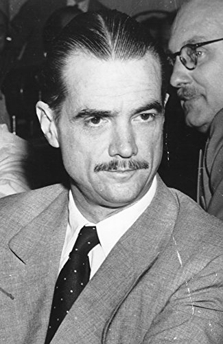 Posterazzi Poster Print Collection Howard Hughes Photo Print (8 x 10), Multicolored