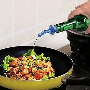 4PCS Bottle Pourer Pour Spout Stopper Liquor PP Oil Vinegar Wine Dispenser Good Pcs Bottle Pourer Pour Spout Stopper Dispenser Liquor Flow Olive Wine Oil Set free shipping