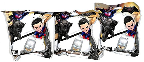 DC Batman VS Superman Original Minis Mini Figures 24 Packs Blind Bags Series 1