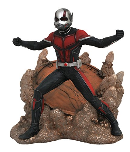 DIAMOND SELECT TOYS Marvel Gallery: Ant-Man & The Wasp: Ant-Man PVC Diorama Figure, ()