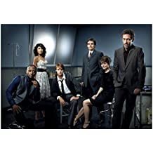 House M.D. with Jennifer Morrison as Dr. Allison Cameron Posing with Cast in Lab 8 x 10 Photo