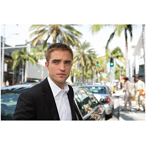 Maps to the Stars Robert Pattinson as Jerome standing on Hollywood Blvd 8 x 10 Inch - Of Blvd Map Hollywood