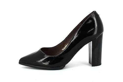 877e3ef9decc5 Patricia Miller Zapatos de Tacón Charol Negro  Amazon.es  Zapatos y  complementos