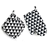Pot Holder and Oven Mitt Kitchen Linens Set with High Heat Resistant for Cooking from E4go, set of 2 pieces
