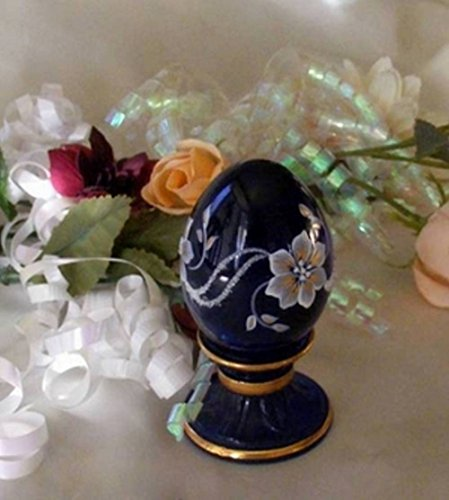Judys Home Delights Fenton Art Glass Poinsettias on Pedestal Cobalt Egg