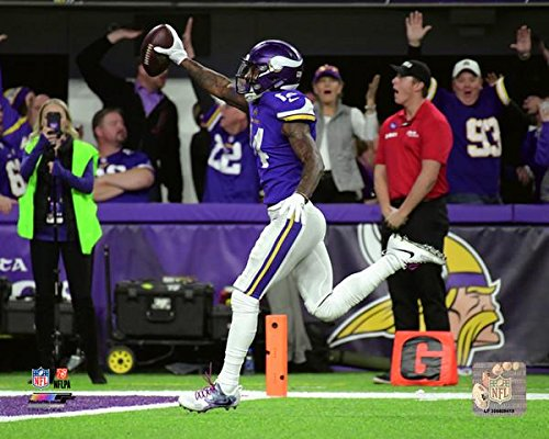 Minnesota Vikings Stefon Diggs Miracle In Minneapolis. NFC Divisional Play Off Game Winning Catch. 8x10 Photo, Picture. Run (mf)