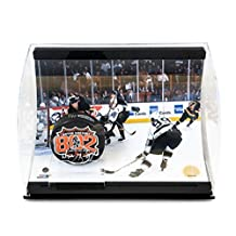 Signed Wayne Gretzky Photograph - 802 Goal Puck 8X10 Display 99 - Upper Deck Certified - Autographed NHL Photos