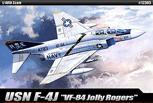 1/48 USN F-4J VF-84 Jolly Rogers 12305 with 3 Lifelike Pilot Figures – Plastic Model Kit