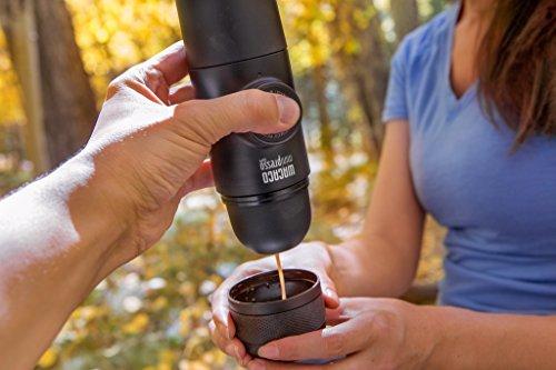 Featherweight versatile handheld espresso machine