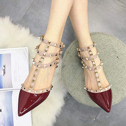 Los Tacones Altos Señalaron Los Zapatos de Las Mujeres de la Moda F